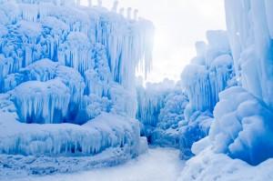 ice-castle-design-arctic-artistry-designboom-06